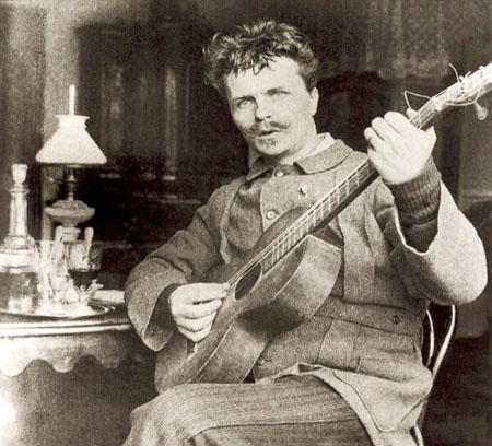 Strindberg ville kunna allt, spela gitarr, måla, skriva artiklar, romaner, pjäser – till och med naturvetenskapliga experiment.