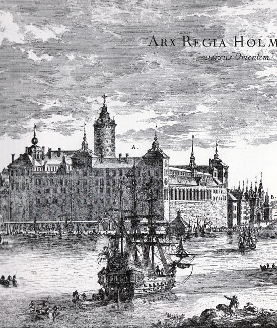 Slottet Tre kronor sett från ungefär där Grand Hôtel ligger idag. Till höger anas Norreport. På den högra fasaden på bilden mot Norrmalm syns en rad fönster till slottskapellet. De är idag inmurade i det nuvarande slottets norra fasad.