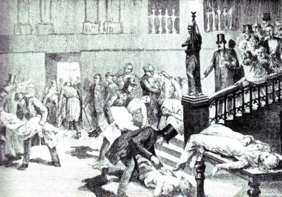 Hemska scener i Grand Hôtel när offren för paniken bärs in till det provisoriska lasarettet.