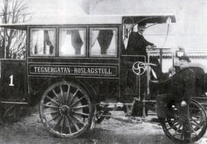 Alltid i täten på moderniteten. Stockholm fick omnibussar med bensinmotor redan år 1900.